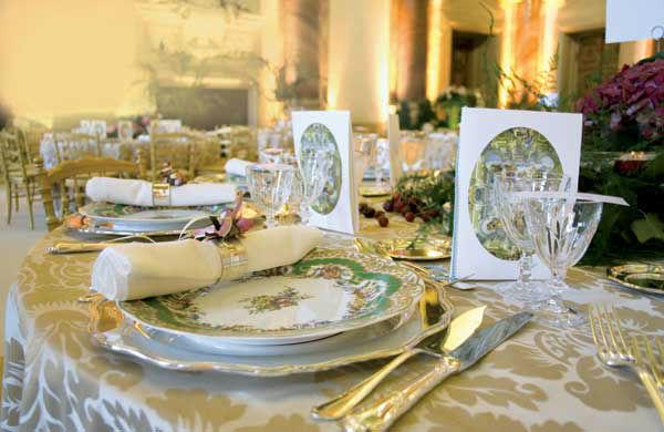 Beispiel: Feinstes Porzellan, Foto: Gerstner Catering.