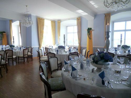 Beispiel: Festgedecke im Blauen Fest- und Tanzsaal, Foto: Schloss Weiterdingen.
