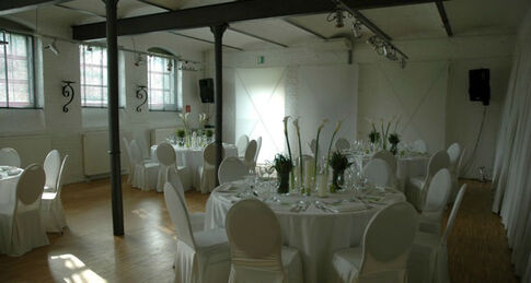 Beispiel: Raum im Hof - Bankett, Foto: Kastanienhof.