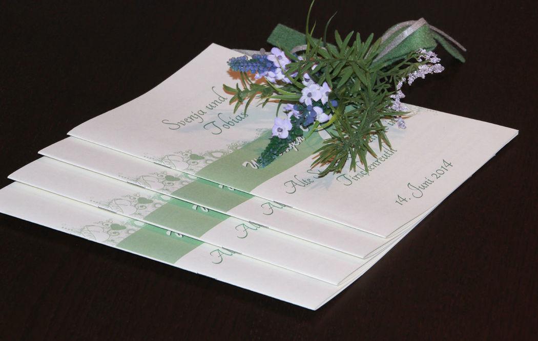 Logiciel pour livret de messe.  Ce logiciel permet de concevoir des livrets de messe facilement et rapidement.  http://www.livret-mariage.fr/