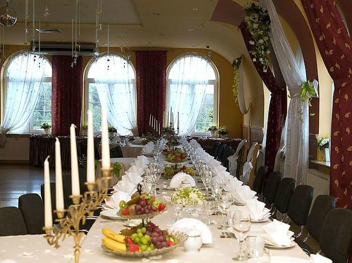Dekoracja sali ślubnej