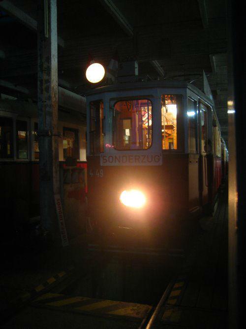 Beispiel: Straßenbahn bei Nacht, Foto: Rent a Bim.