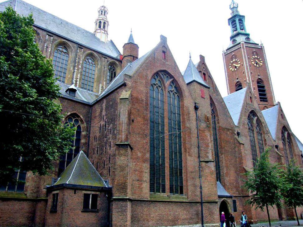 Buitenaanzicht de Grote Kerk Den Haag