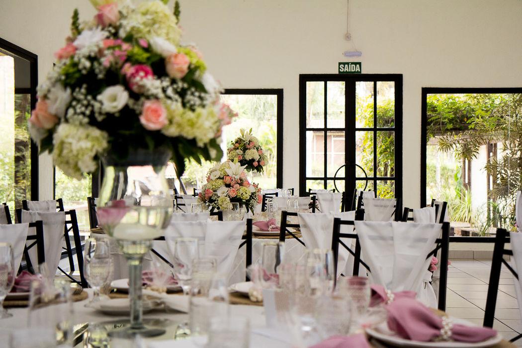 Mesa dos Convidados - Decoração Romântica