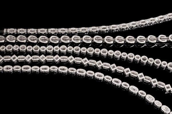 Beispiel: Halsketten für die Braut, Foto: Juwelier Gerner.