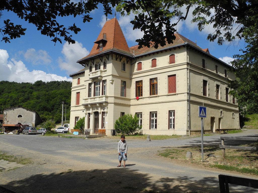 Le Château d'Alleret en Auvergne