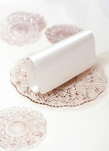 Beispiel: Tasche für Bräute, Foto: Diel Accessoires.