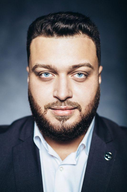 Ведущий Дмитрий Донской