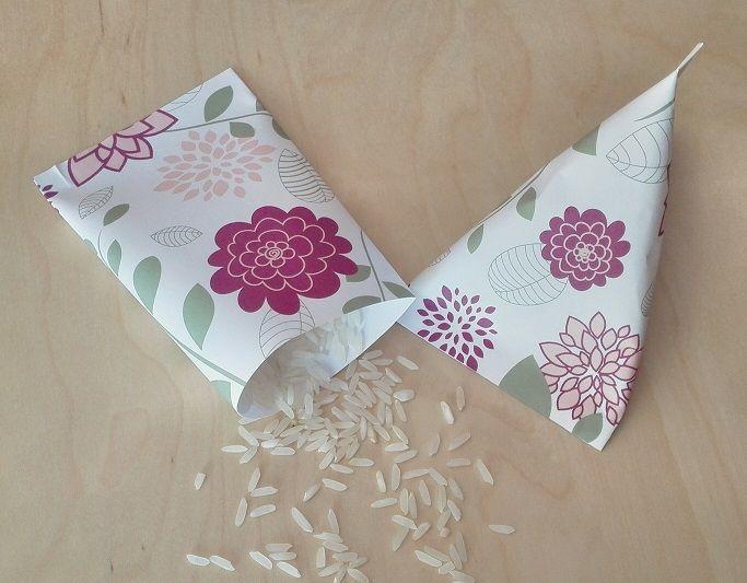 Paquetes para Arroz, Pétalos o Confeti Motivo: Flores Color: Marsala (morado)