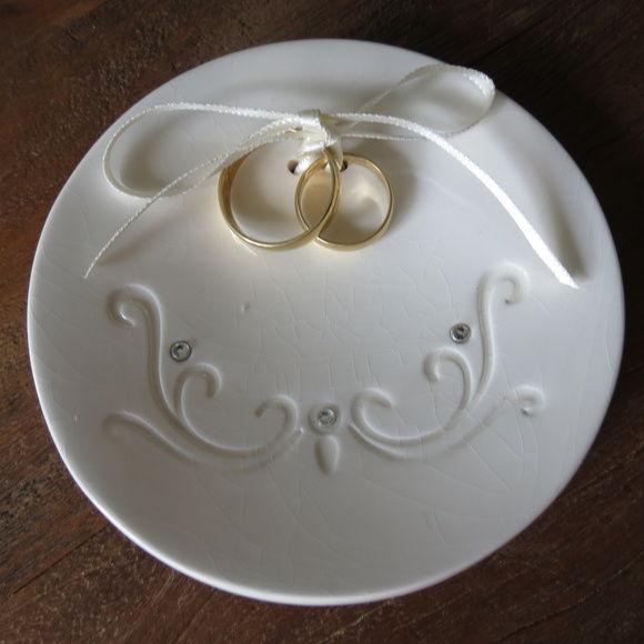 Porta alianças em porcelana vitrificado com carimbo monograna