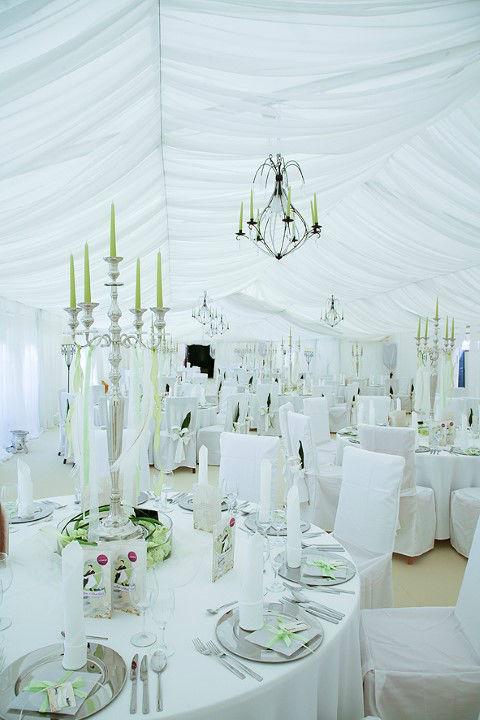 Beispiel: Hochzeitsbankett im Eventzelt, Foto: Vineria Nürnberg.