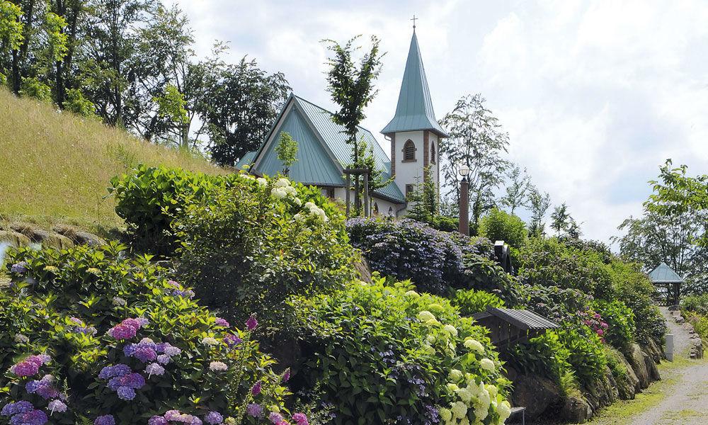 Beispiel: St. Anna Kapelle, Foto: Dollenberg Schwarzwald Resort.