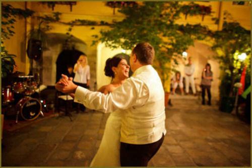 Beispiel: Tanz des Brautpaares, Foto: Haute Couture.