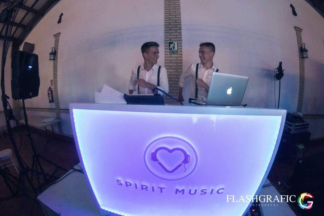 Spirit Music - Dj's Animadores