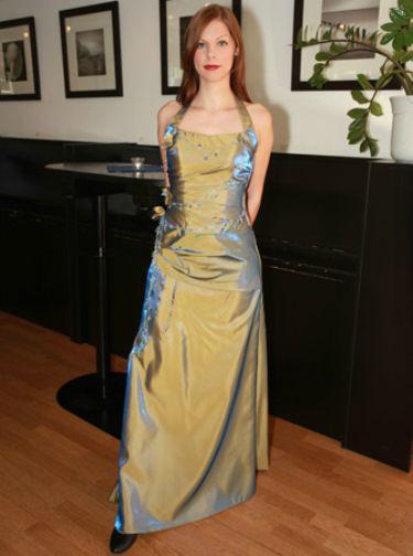 Beispiel: Festliche Kleider, Foto: Traut euch Brautsalon Festmode.