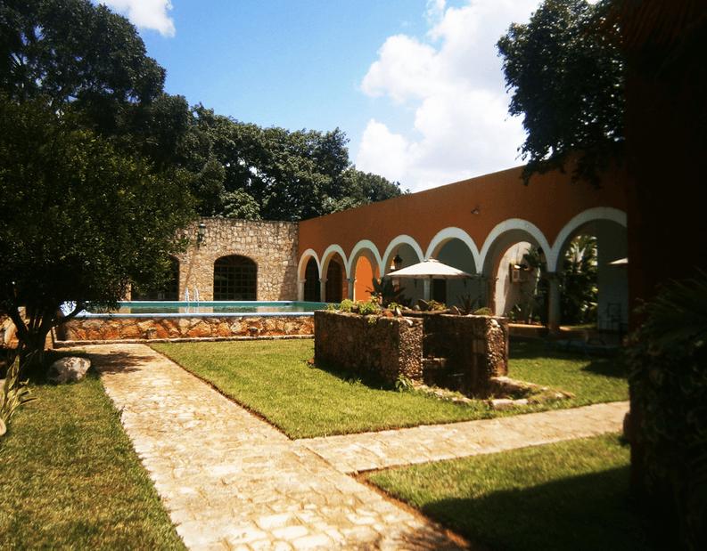 Hacienda Blanca Flor