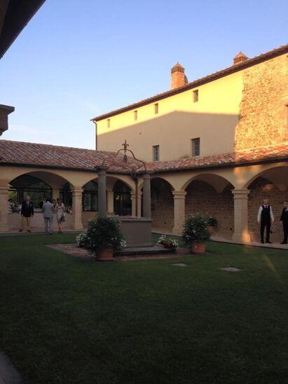 Matrimonio all'interno di un convento