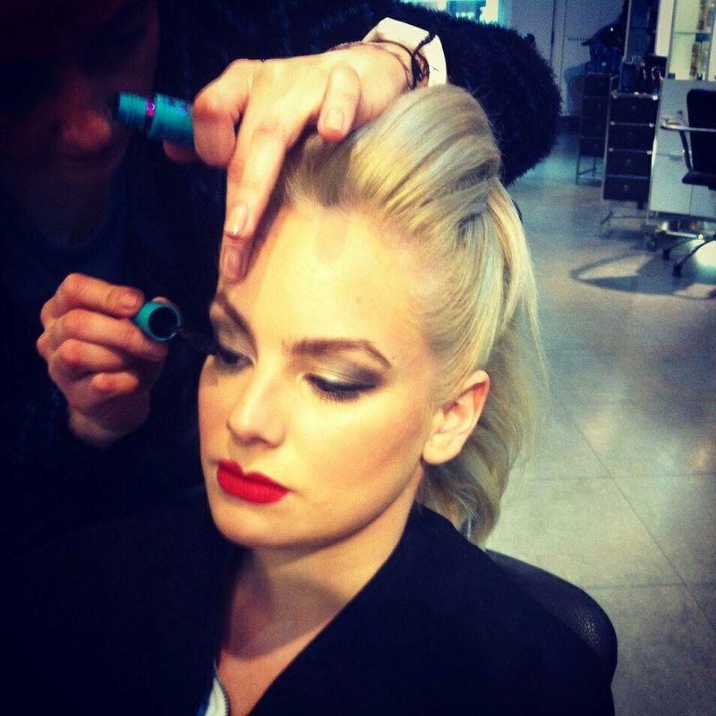 La Caro te maquilla :)