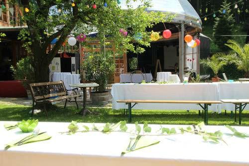 Beispiel: Tische im Garten, Foto: Villa Kunterbunt.