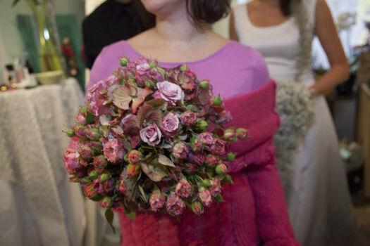 Beispiel: Individuell gestalteter Brautstrauß, Foto: Die Blumenbinderin.