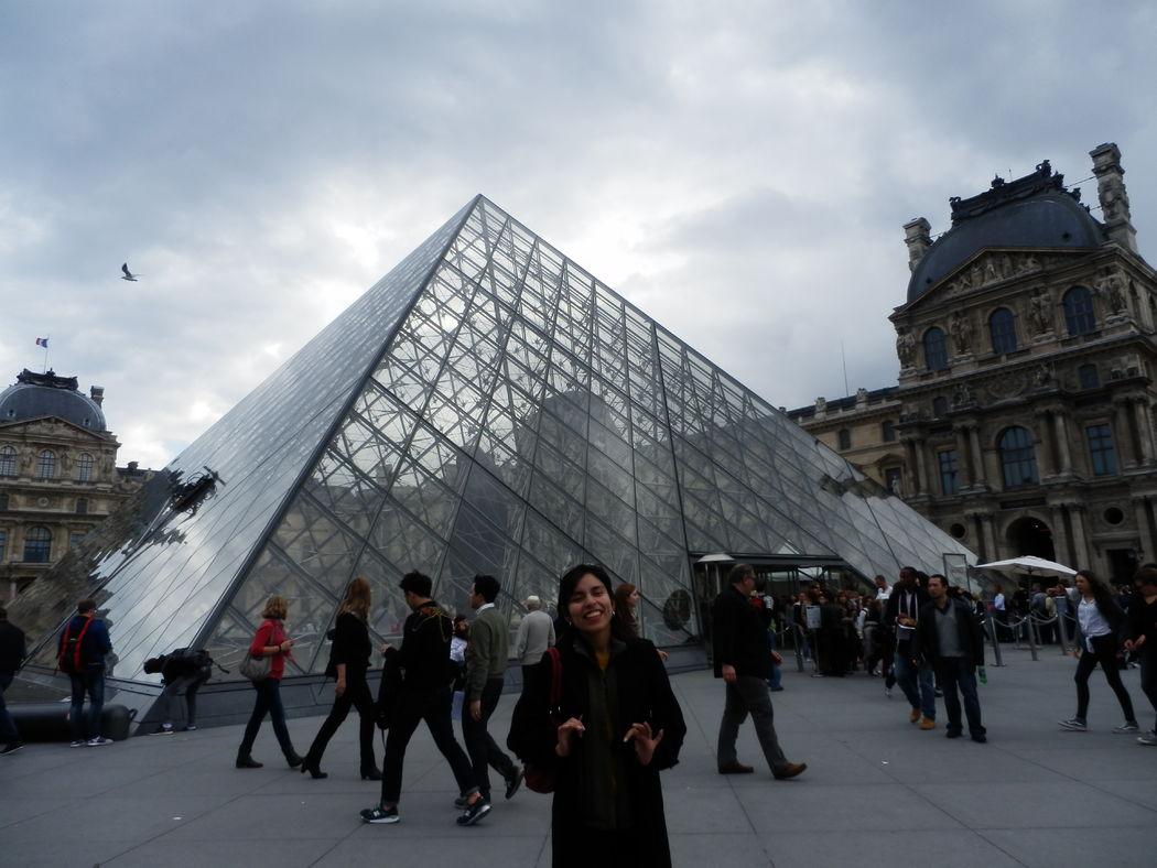 Visita al Museo del Louvre en Francia.
