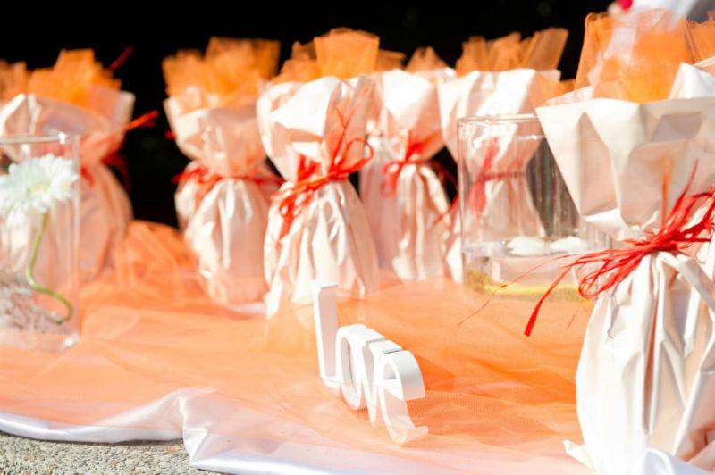 Un allestimento di un matrimonio Giallo e arancione