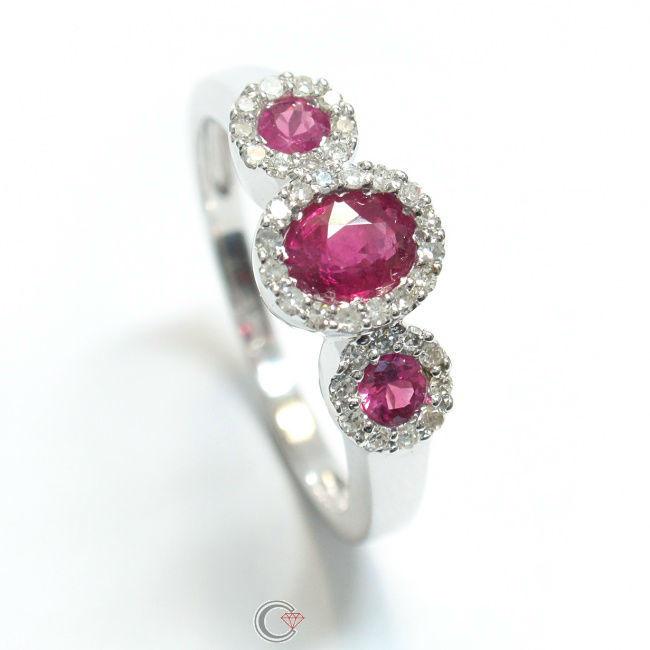 Beispiel: Machen Sie Ihrer Freundin einen Heiratsantrag, Foto: Schmuckpforte.