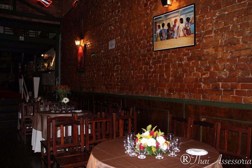 The Wall Café