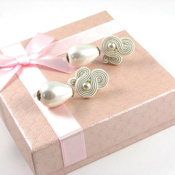 Małgorzata Sowa - PiLLow Design, Biżuteria ślubna sutasz. Kolczyki ślubne - perła słodkowodna, perły Seashel, srebro