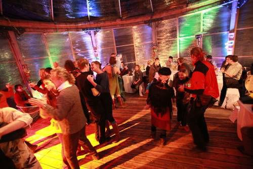 Beispiel: Tanz, Foto: Villa Kunterbunt.