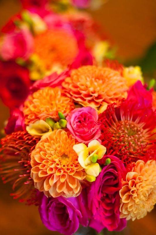 Eventos Floristika, calidad en flor nacional y de importación, seleccionamos las flores a utilizar con los mejores proveedores, las cuidamos y las hidratamos antes de usar. combinaciones de color Floristika
