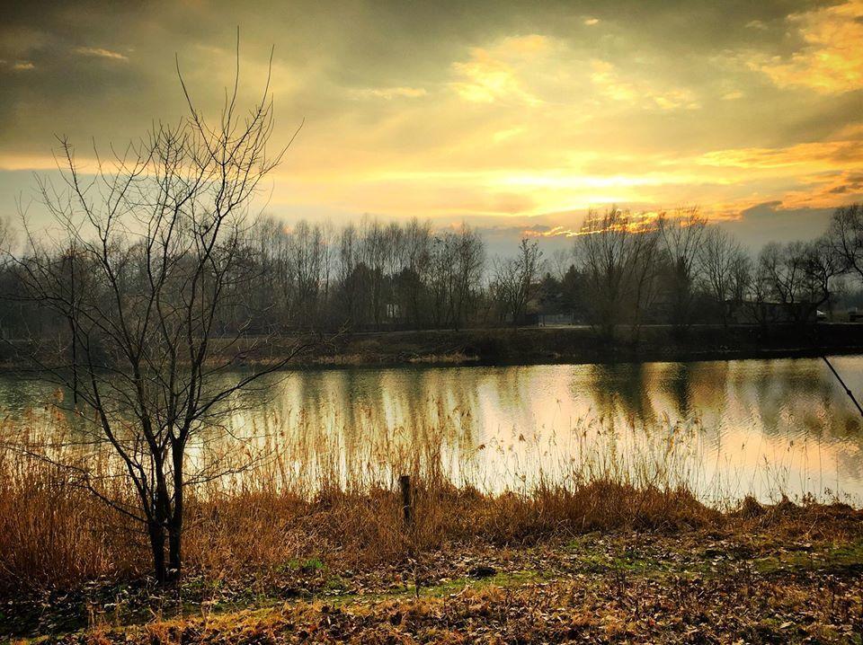 "Winiarnia ""Nad jeziorem"""