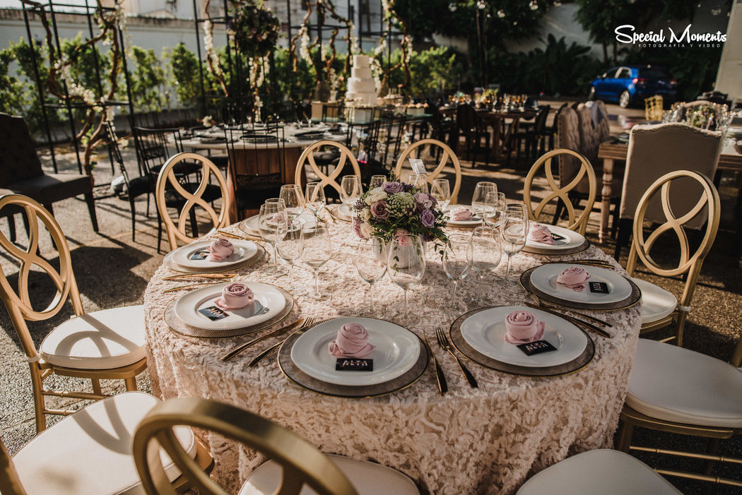 Gala & Co Wedding Planner
