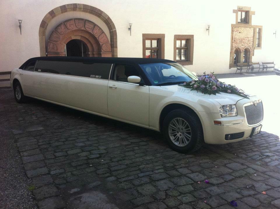 Beispiel: Mit der Limousine zur Kirche, Foto: Limo Inc.