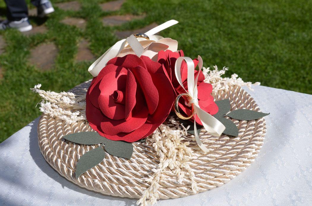 Porta alianzas trio floral