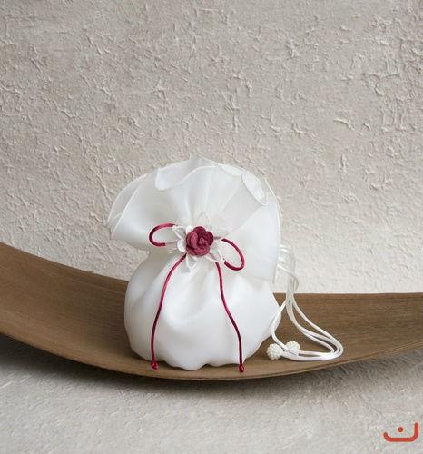 Beispiel: Brauthandtaschen, Foto: Doris Renn.