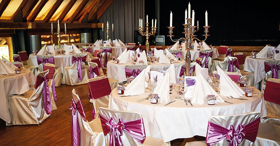 Beispiel: Elegante Hochzeitslocation, Foto: Stuhlhussen Maurer.