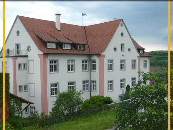 Beispiel: Außenansicht, Foto: Schloss Weiterdingen.