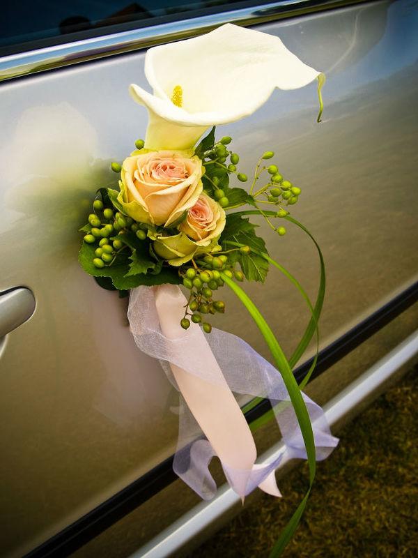 Beispiel: Autoschmuck, Foto: Blatt & Blüte.