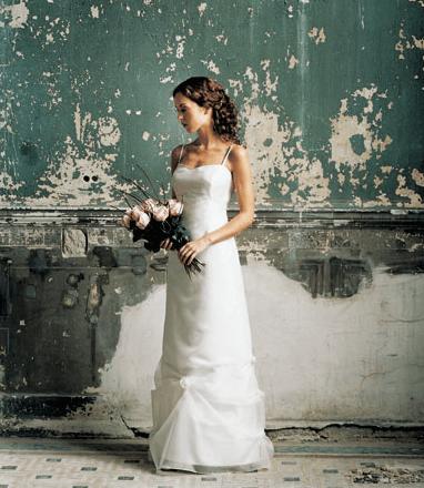 Beispiel: Brautkleid, Foto: Chiton.