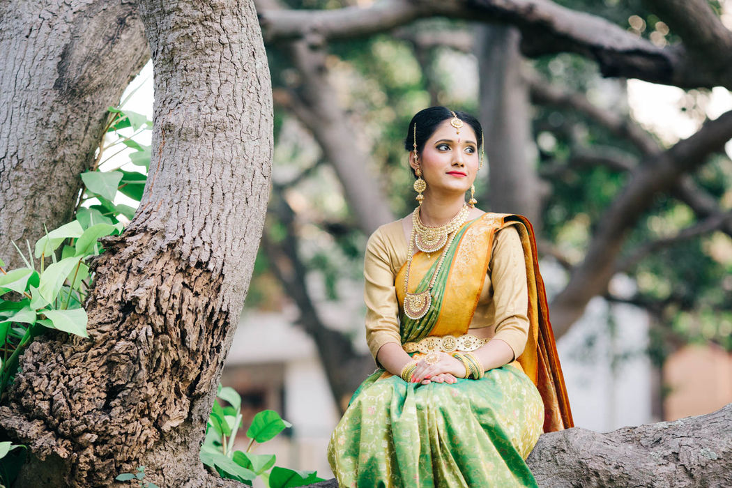 Bride in traditional Marathi Costume