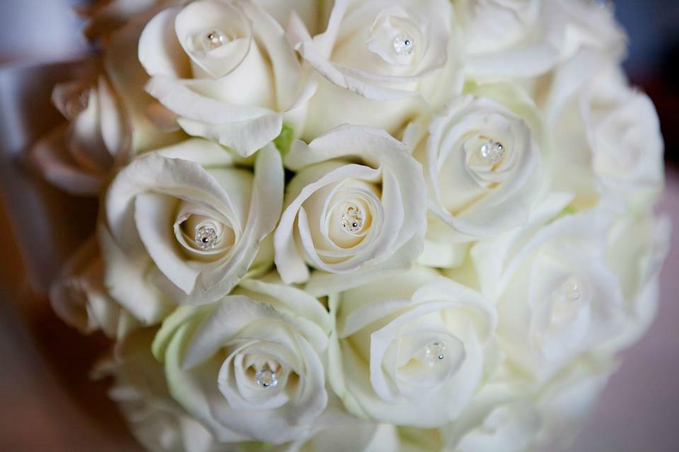 Beispiel: Wunderschöne Hochzeitsfloristik, Foto: Luuniq.