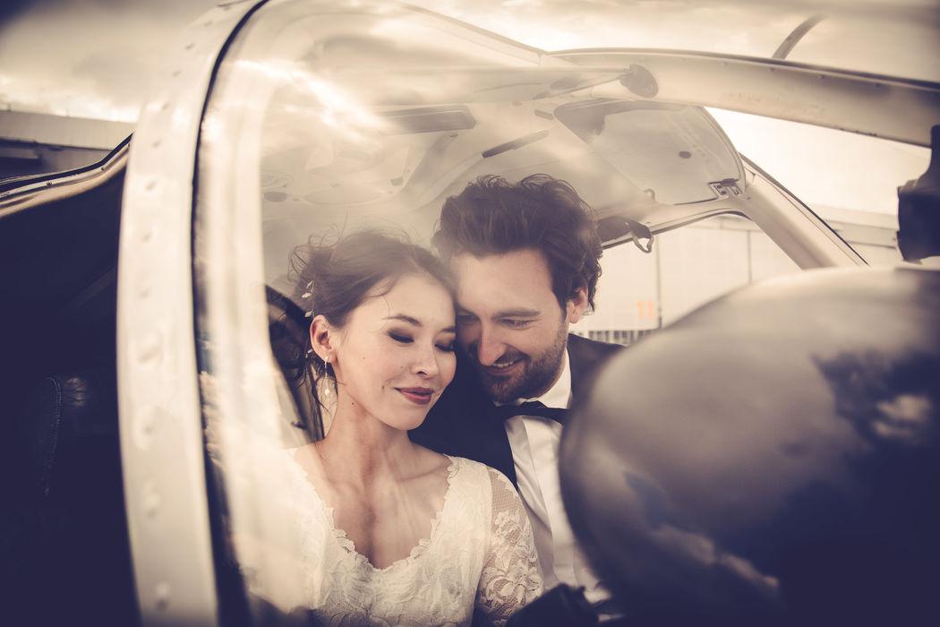 Ihr wollt statt großer Hochzeitsparty lieber im privaten kleinen Flieger entfliehen? Wir unterstützen und planen für Euch natürlich auch Elopement Hochzeiten :)
