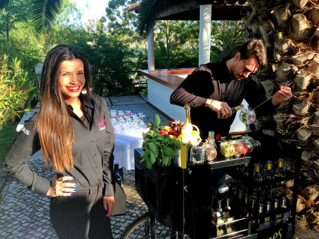 Staff - Eventing - Serviço Gin Premium