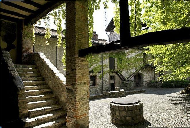 Esterni - Castello di Pomerio