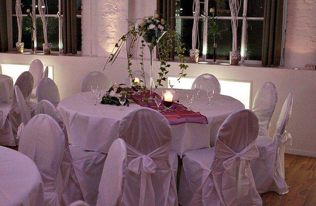 Beispiel: Hochzeitsgedeck, Foto: Alte Pulverfabrik.