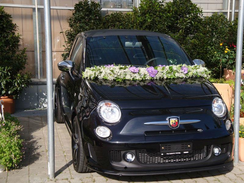 Beispiel: Autodekoration, Foto: Blütenreich.