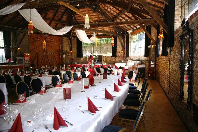 Beispiel: Festtagstafel, Foto: Wasserburg Geretzhoven.