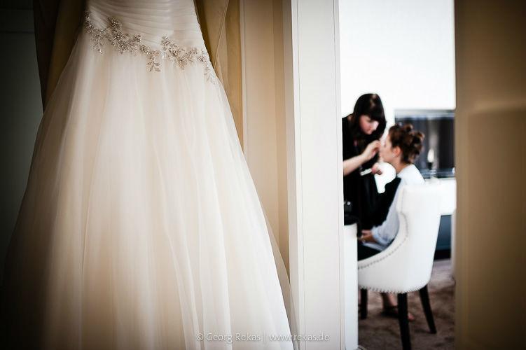 Beispiel: Vorbereitungen der Braut, Foto: Georg Rekas.