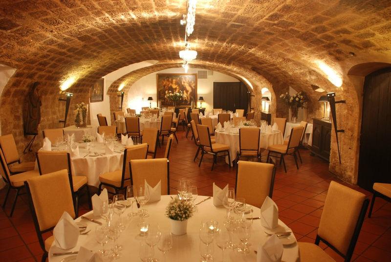 Beispiel: Hochzeitsgedeck, Foto: Deidesheimer Hof.